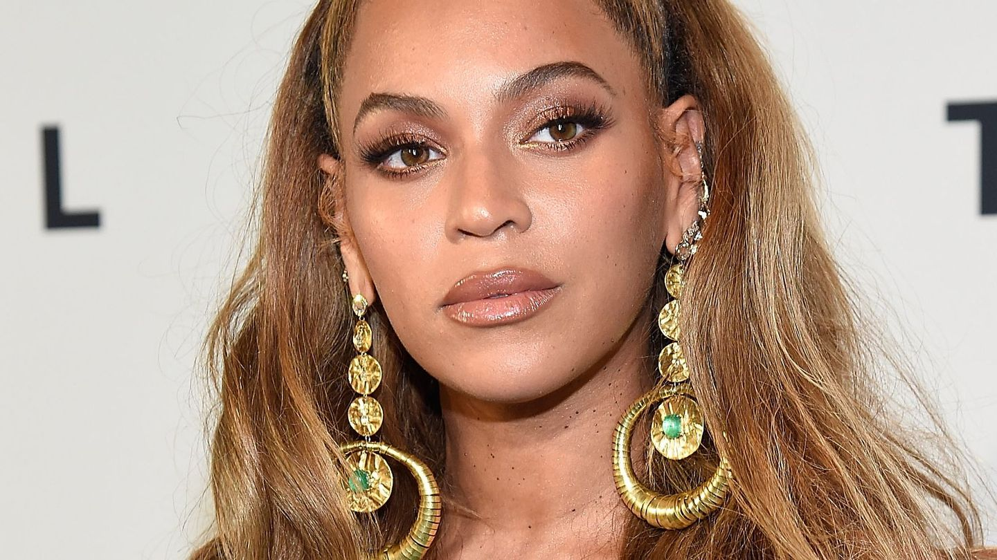 Beyoncé Looked Like An Actual Queen On The Red Carpet In Brooklyn