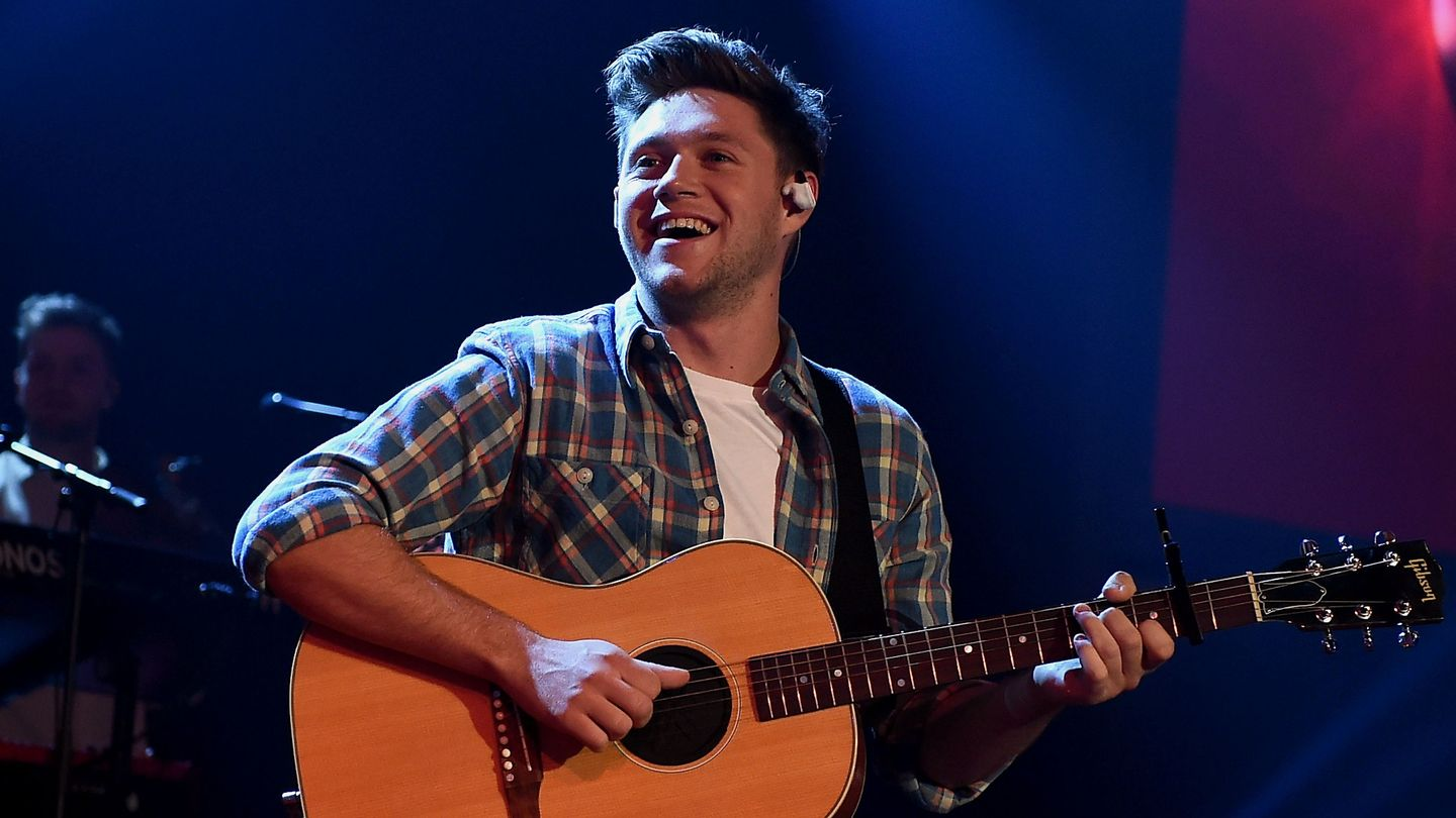 Here's What Happened Inside Niall Horan's Cozy Album Release Concert