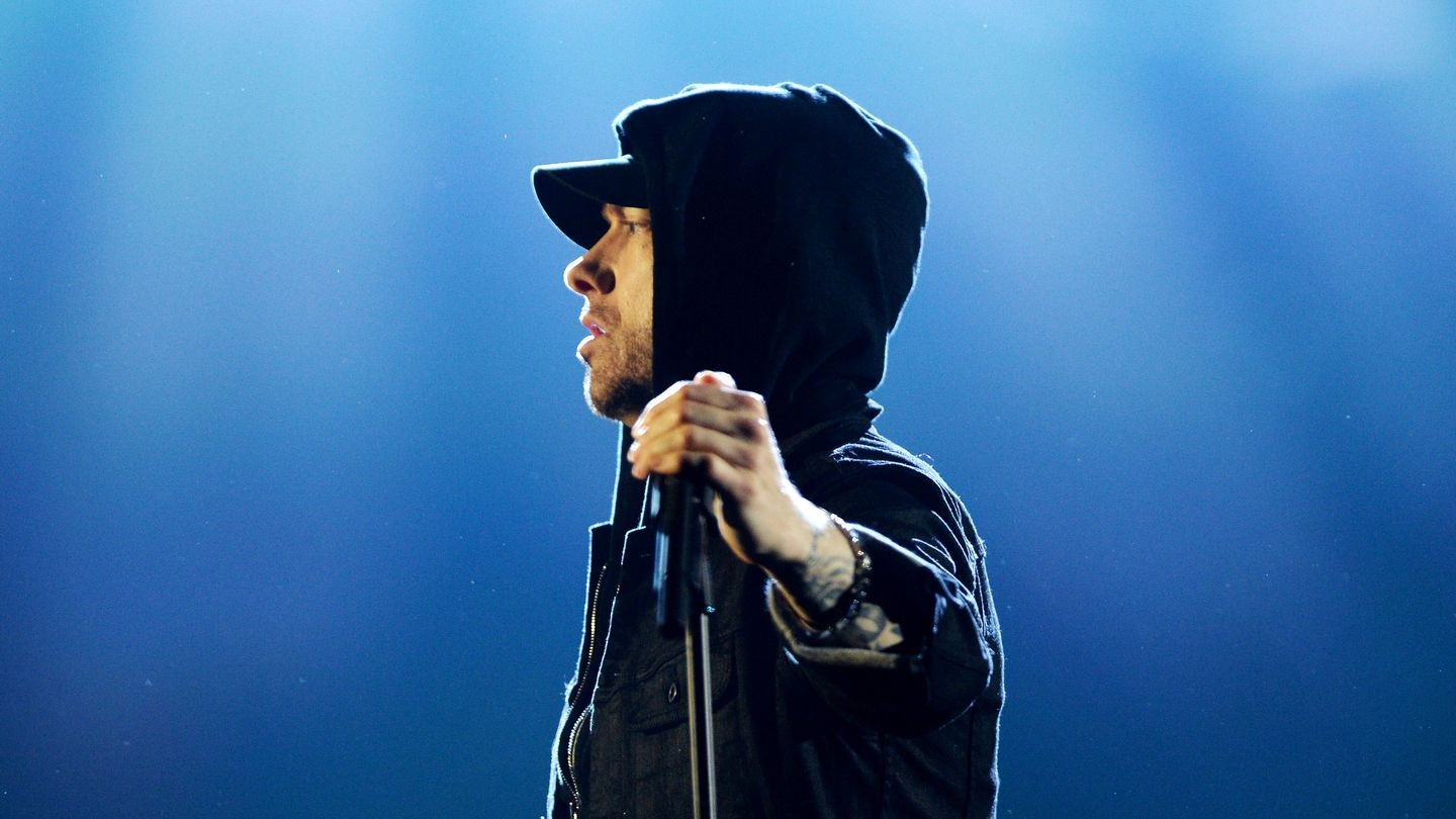 Eminem Surprised On Saturday Night Live By Working 'Stan' Into His Performance