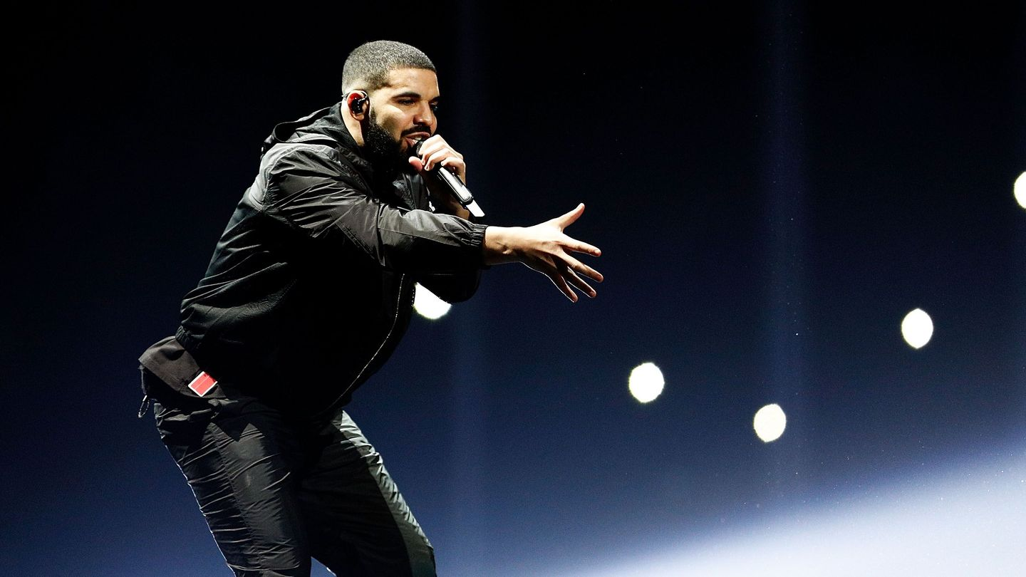 Drake Sends A Positive Message To Meek Mill At Latest Tour Stop