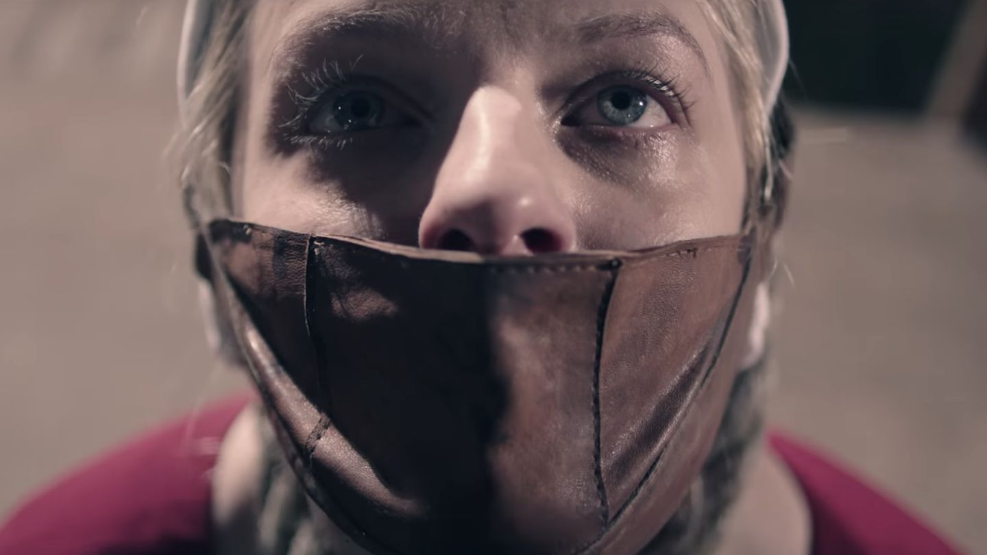 The Handmaid's Tale Season 2 Trailer Is Here And It's As Grim As You'd Expect