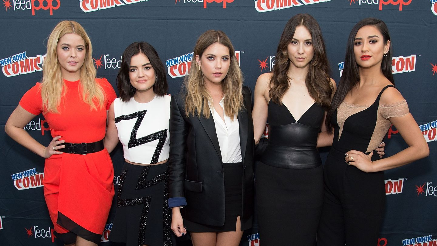 Which 39 Pretty Little Liars 39 Star Is Your Style Twin Take Our Quiz Mtv