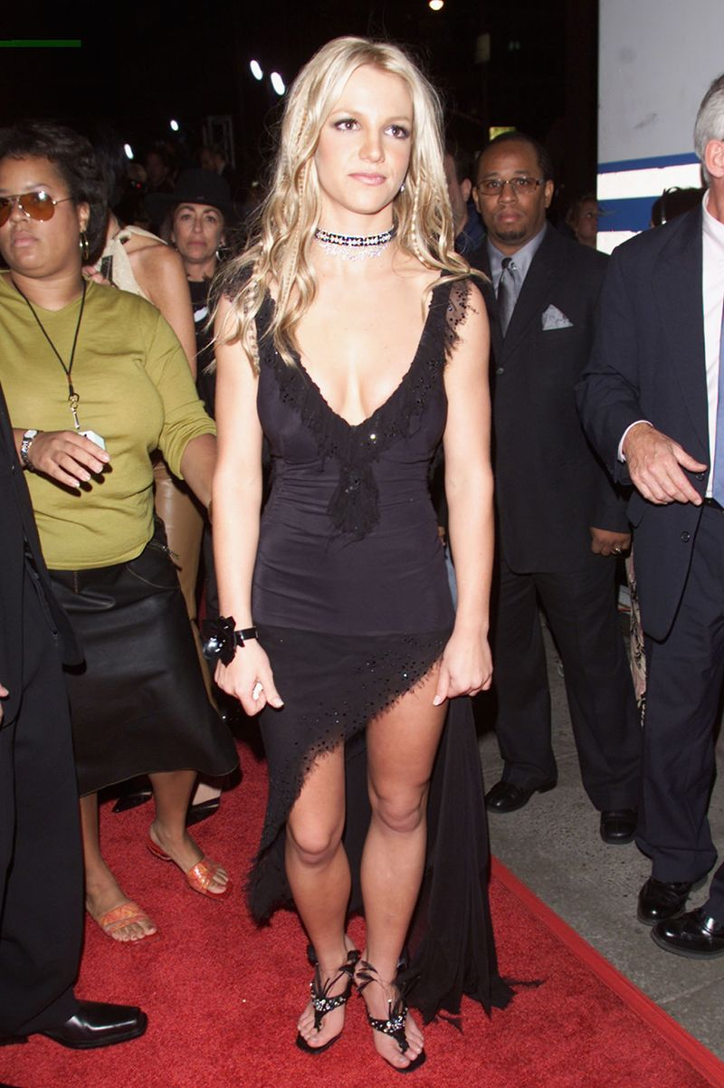 This Is What The Vma Red Carpet Looked Like In 2000 Mtv