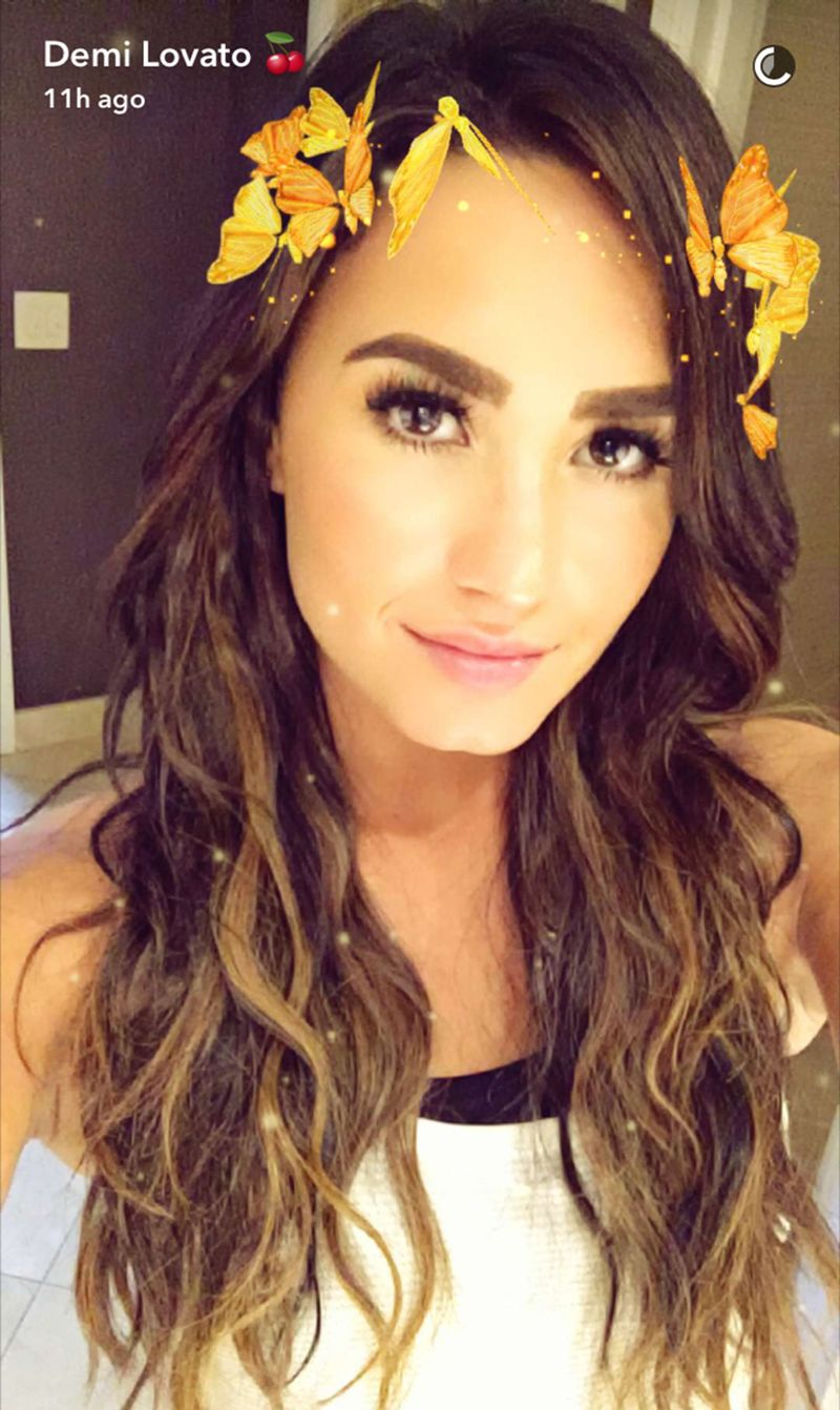Demi Lovato Unveils Her New Summery Hair Color Mtv