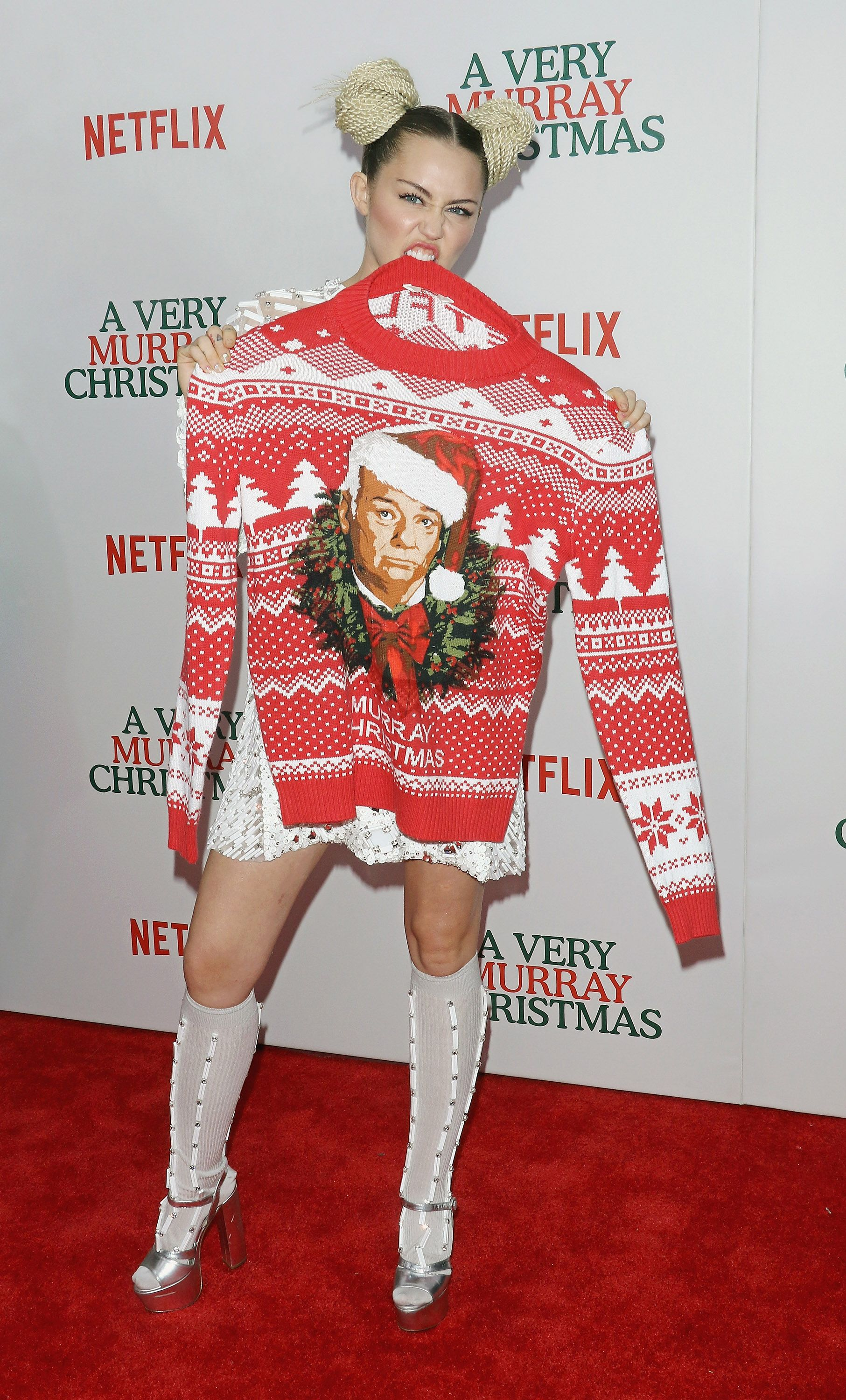 Miley Cyrus Has Enough Ugly Christmas Sweaters To Fill Hannah ...