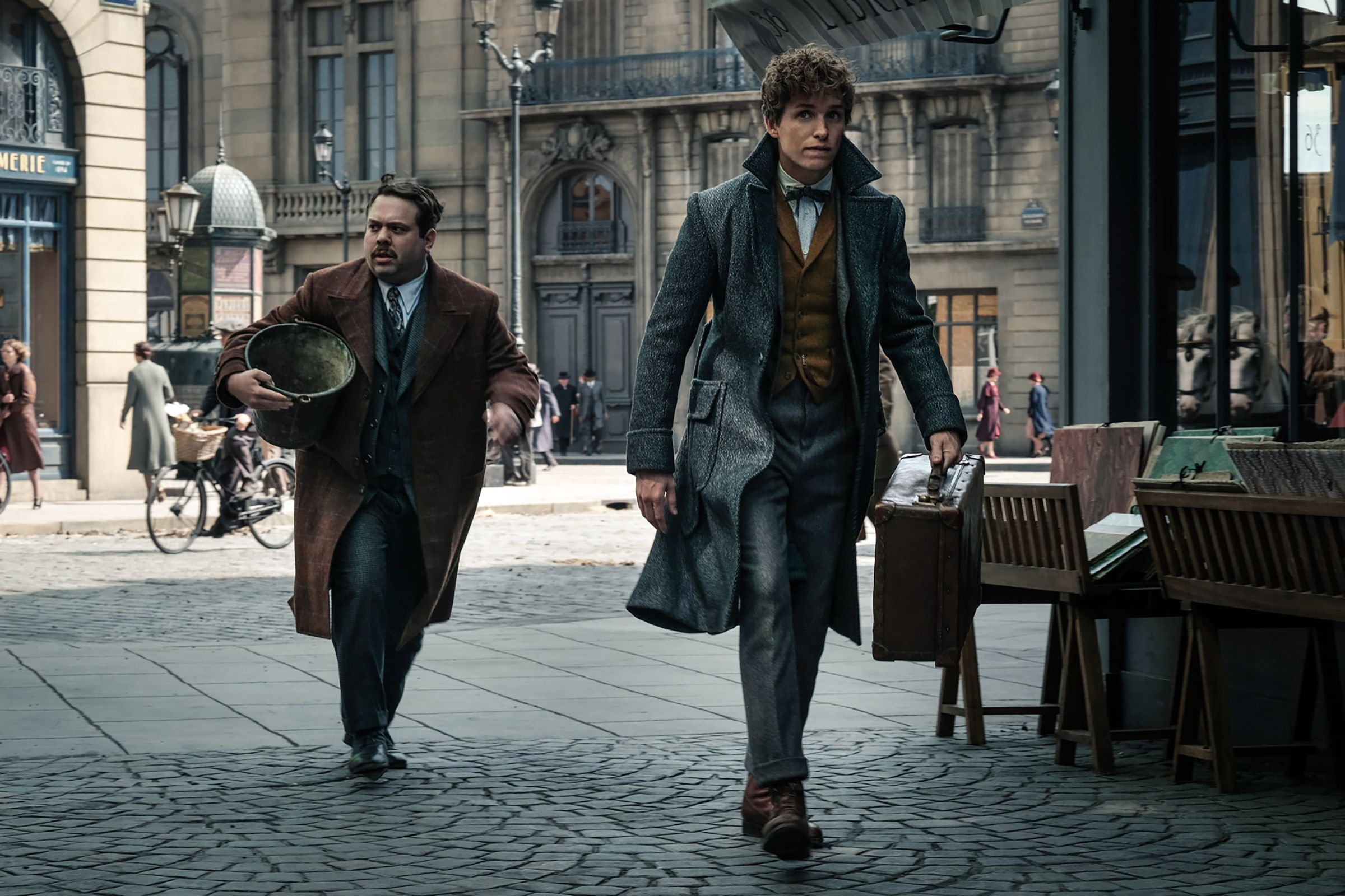 Young Dumbledore Is Unnervingly Hot In New Fantastic Beasts: The Crimes Of Grindelwald Photos 3